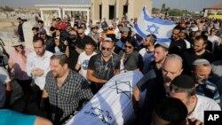 مردم «رینا اشنرب» را در شهر لاد اسرائیل تشییع کردند.