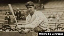 지난 1923년 미국 프로야구 뉴욕 양키스 소속으로 경기 중인 루 게릭.
