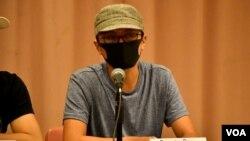來自台灣的抗爭者王先生呼籲香港人毋忘獅子山精神,保留身份認同。(攝影: 美國之音湯惠芸)