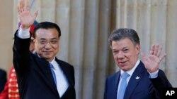 El primer ministro Li Keqiang se reunió con el presidente de Colombia, Juan Manuel Santos y hasta hablaron de concretar un tratado de libre comercio bilateral.