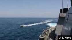 نزدیک شدن شناورهای سپاه به نیروی دریایی آمریکا