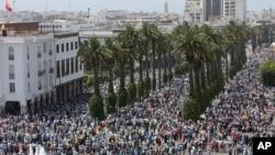 Des milliers de manifestants contre la corruption gouvernementale et l'abus de pouvoir officiel à Rabat, au Maroc, le 11 juin 2017.