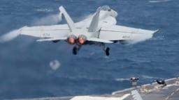 Một chiếc F/A-18 Hornet của Hải quân Mỹ.