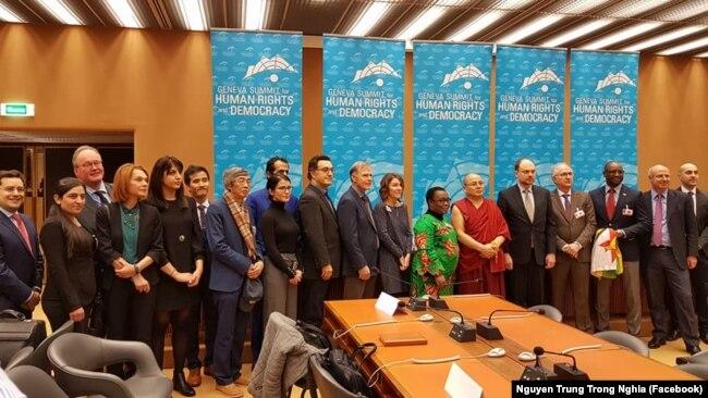 Đại diện từ các nước đến tham dự Hội nghị thượng đỉnh về Nhân quyền ở Geneva ngày 20/2/2018.