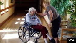 De haber sobrevivivo, el programa habría evitado a los beneficiarios tener que pagar por cuidados más costosos en los hogares de ancianos.