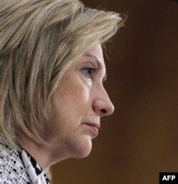 """Tashqi ishlar vazirasi Xillari Klinton """"Liviya Somali yo'lidan ketmasa edi"""" deydi"""