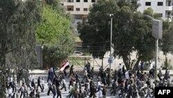 Marš učesnika protesta protiv vlade održane je danas i u jednom od predgrađa Damaska