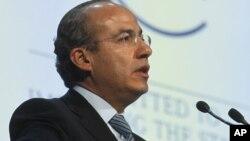 Calderón busca profundizar con Cuba el diálogo sobre intercambios comerciales e inversión.