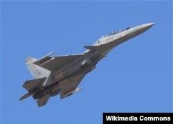 Chiến đấu cơ Su-30MKI do Nga sản xuất. Việt Nam đã đặt mua và đã được giao 8 trong số 12 máy bay chiến đấu SU-30MK trong thương vụ trị giá lên tới 600 triệu đôla.