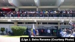 Chegada de Afonso Dhlakama à Beira. Outubro 2014