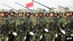 Trung Quốc công bố ngân sách quốc phòng năm 2011 là 601,1 tỉ nhân dân tệ, tuy nhiên, nhiều chuyên gia quân sự tin rằng chi tiêu thật sự cho quân đội với quân số 2,3 triệu, cao hơn con số mà chính phủ đưa ra rất nhiều