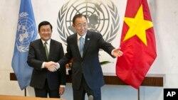 Tổng thư ký LHQ Ban Ki-moon và Chủ tịch nước Việt Nam Trương Tấn Sang tại trụ sở Liên Hiệp Quốc ngày 24 tháng 9, 2015.