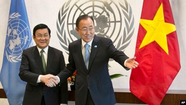 Chủ tịch Việt Nam Trương Tấn Sang hội kiến với Tổng thư ký Ban Ki-moon tại trụ sở của Liên Hiệp Quốc ở New York hôm 24/9.