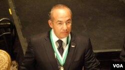 Calderon dijo que de poco vale luchar fuertemente contra el narcotráfico mientras exista un consumo masivo de drogas en EE.UU.