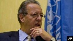 Đặc sứ Liên Hiệp Quốc tại Yemen Jamal Benomar nói chuyện trong một cuộc phỏng vấn do hãng tin AP thực hiện tại Yemen