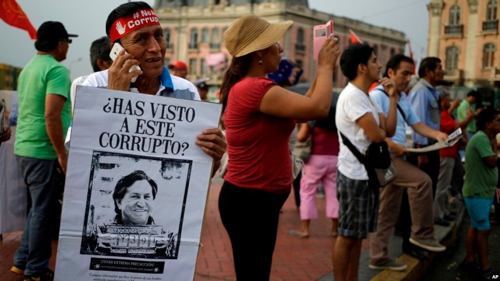 Una autoridad de la Policía Nacional de Perú afirmó que sólo falta la orden de un juez estadounidense para su detención. El exmandatario está prófugo desde que fue acusado de recibir $20 millones en sobornos de Odebrecht.