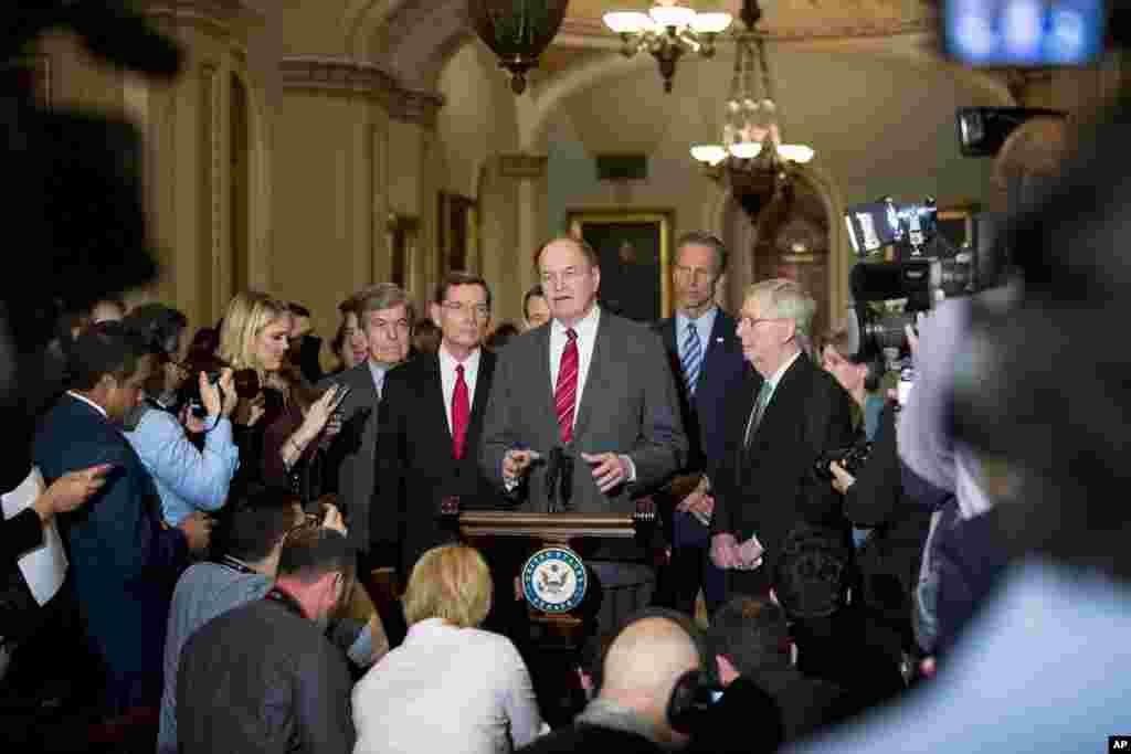 سناتورهای شرکت کننده در کمیته مشترک می گویند درباره اختلاف دموکرات ها و پرزیدنت ترامپ درباره بودجه مرزی به توافق اولیه رسیده اند. اگر آنها تا شنبه توافق کنند و پرزیدنت ترامپ هم با آن موافق باشد، دولت آمریکا دوباره تعطیل نمی شود.