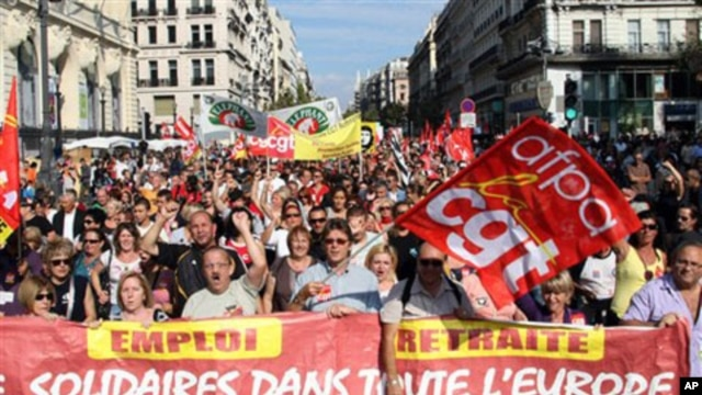 People march during a protest , in Marseille, southern France, 02 Oct 2010