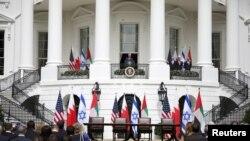 特朗普总统在白宫主持以色列与阿联酋和巴林关系正常化仪式。(2020年9月15日)