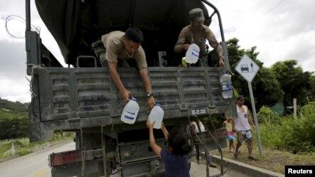 A raíz del sismo de magnitud 7,8, Estados Unidos ha donado más de 2,6 millones de dólares en asistencia humanitaria, una torre de control móvil para la ciudad de Manta y ha enviado equipos de expertos.