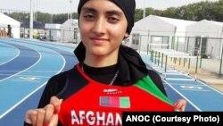 کیمیا یوسفی که در بخش دوش در بازی های المپیک رقابت می کند