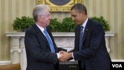 El primer ministro italiano asumió el cargo en noviembre. Además de las medidas de austeridad, Monti también acordó renunciar a su propio salario.