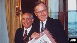 Михаил Горбачев и Джордж Буш-старший, Хельсинки (Финляндия) 1990 г.