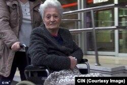 """Porodica pacijentice Vahide Merdanić je dobila upute iz Bolnice da u """"Barošu"""" kupi leću i visokoelastičnu tekućinu potrebnu za operaciju oka. Potrebni materijal za operaciju oka su platili 602 KM, iako je u drugoj optičarskoj radnji bio duplo jeftiniji."""