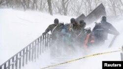 Tư liệu: Tuyết lở ở Nasu, Nhật Bản ngày 27/3/2017 (Kyodo/via REUTERS)