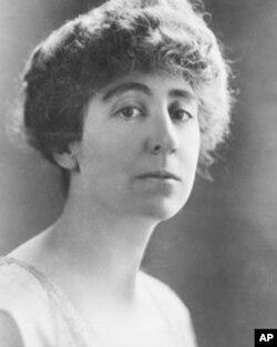 美国第一位女众议员珍妮特.兰肯