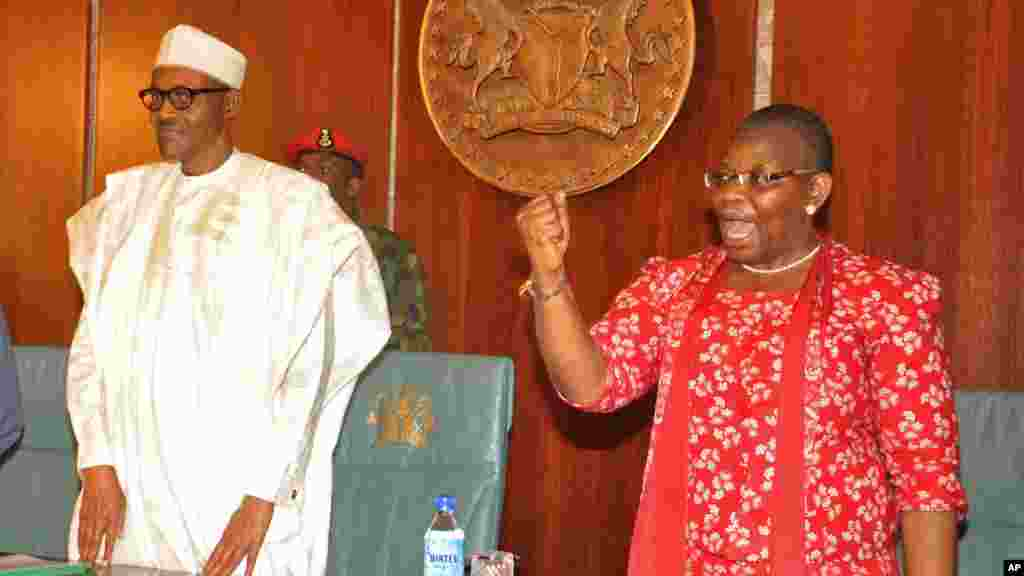 "Shugaba Buhari da Oby Ezekwesili shugabar ""Bring Back Our Girls""."