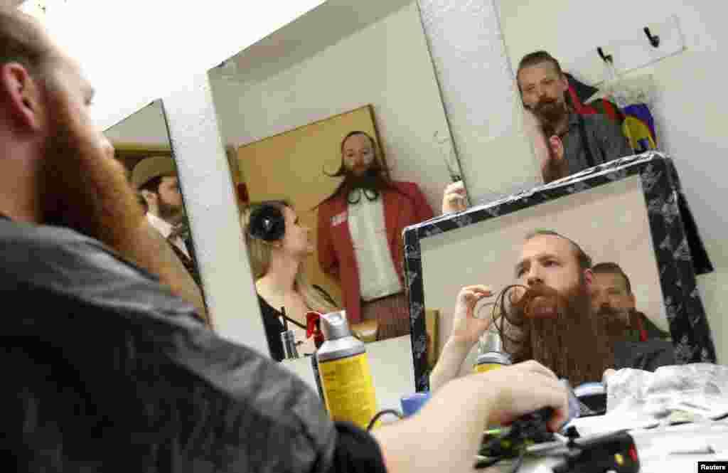 داڑھی اور مونچھوں کی عالمی چیمپئن شپ اس سال جرمنی میں منعقد ہوئی۔