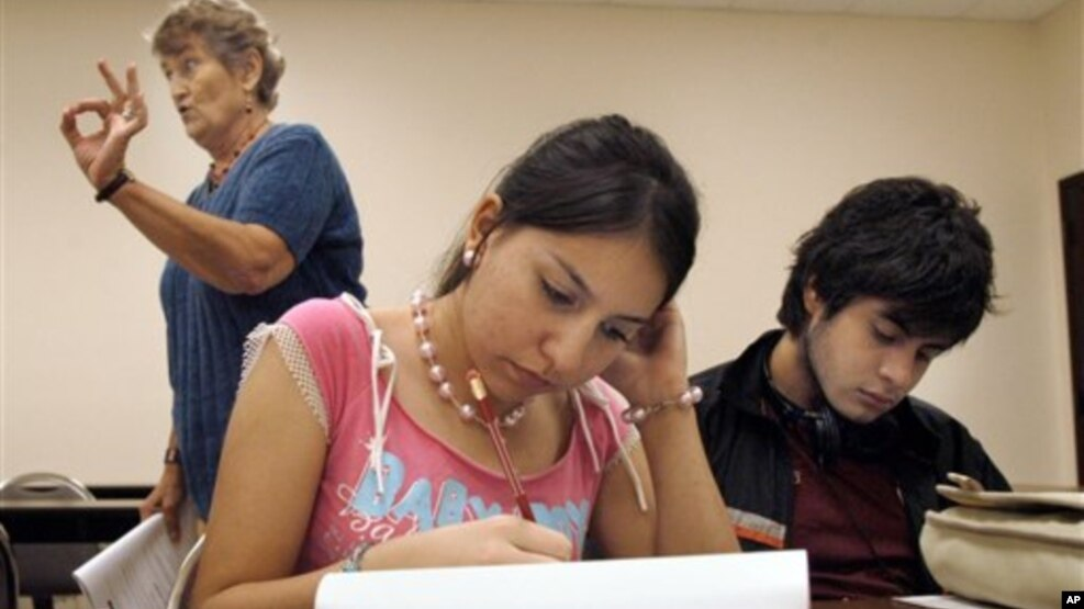 Which English class looks better on a college application?