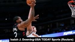 Duel dvojice MVP kandidata: Kavai Lenard (Toronto) i Nikola Jokić (Denver) (Foto: Reuters/Isaiah J. Downing-USA TODAY Sports)