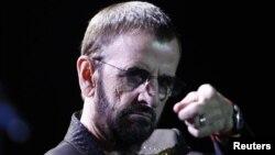 El baterista Ringo Starr durante su concierto en Brasilia. The Beatles se separaron oficialmente el 10 de abril de 1970.