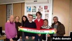 Edîtorê Charlie Hebdo Stephenie Charbannier ligel Kurdên li Fransa