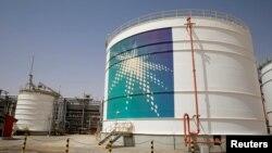 Tanki minyak Aramco di ladang minyak Shaybah, Empty Quarter, Arab Saudi, 22 Mei 2018. (Foto: dok).