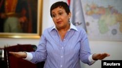 """Tibisay Lucena Ramírez dice que hacer la auditoría en los términos que exige la oposición es """"imposible""""."""
