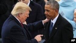 奧巴馬與川普(左)1月20日就職典禮上。