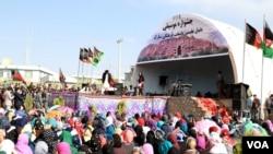 اجرای موسیقی زنده در شهر بامیان
