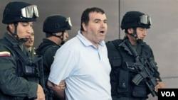 Walid Makled Garcia llegó a la base aérea de Carlota, en Caracas, a eso de las 11:00 de la mañana bajo fuertes medidas de seguridad.