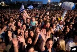 جشن مردم در تل آویو پس از پیروزی نتا بارزیلای