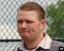美國青年查德博根茲(Chad K. Bergantz)也加入橫跨美國的狀舉