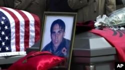 Sahrana ubijene braće Bitići u Njujojrku marta 2002. godine (Foto: AP/Bebeto Matthews)