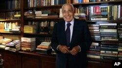 Mohamed Hassanein Heikal, le 23 septembre 2014 lors de son 91e anniversaire à son bureau au Caire en Egypte. (AP Photo/Magdy Ebrahim, El Shorouk Newspaper)