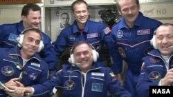 三名宇航員星期五已經抵達國際太空站
