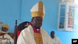 Dom Dionisio Hisilenapo, Bispo do Namibe