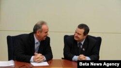 Premijer Srbije Ivica Dacic i predsednik Kipra Dimitris Hristofjas konstatovali su danas u Beogradu saglasnost o fundamentalnim regionalnim i medjunarodnim pitanjima.