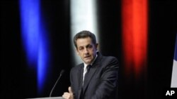 French President Nicolas Sarkozy delivers a speech on the European debt crisis on December 1, 2011 in Toulon, southeastern France.