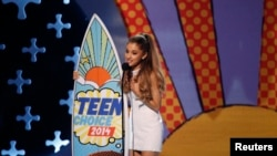 Ariana Grande at the Teen Choice Awards 2014 in Los Angeles, California